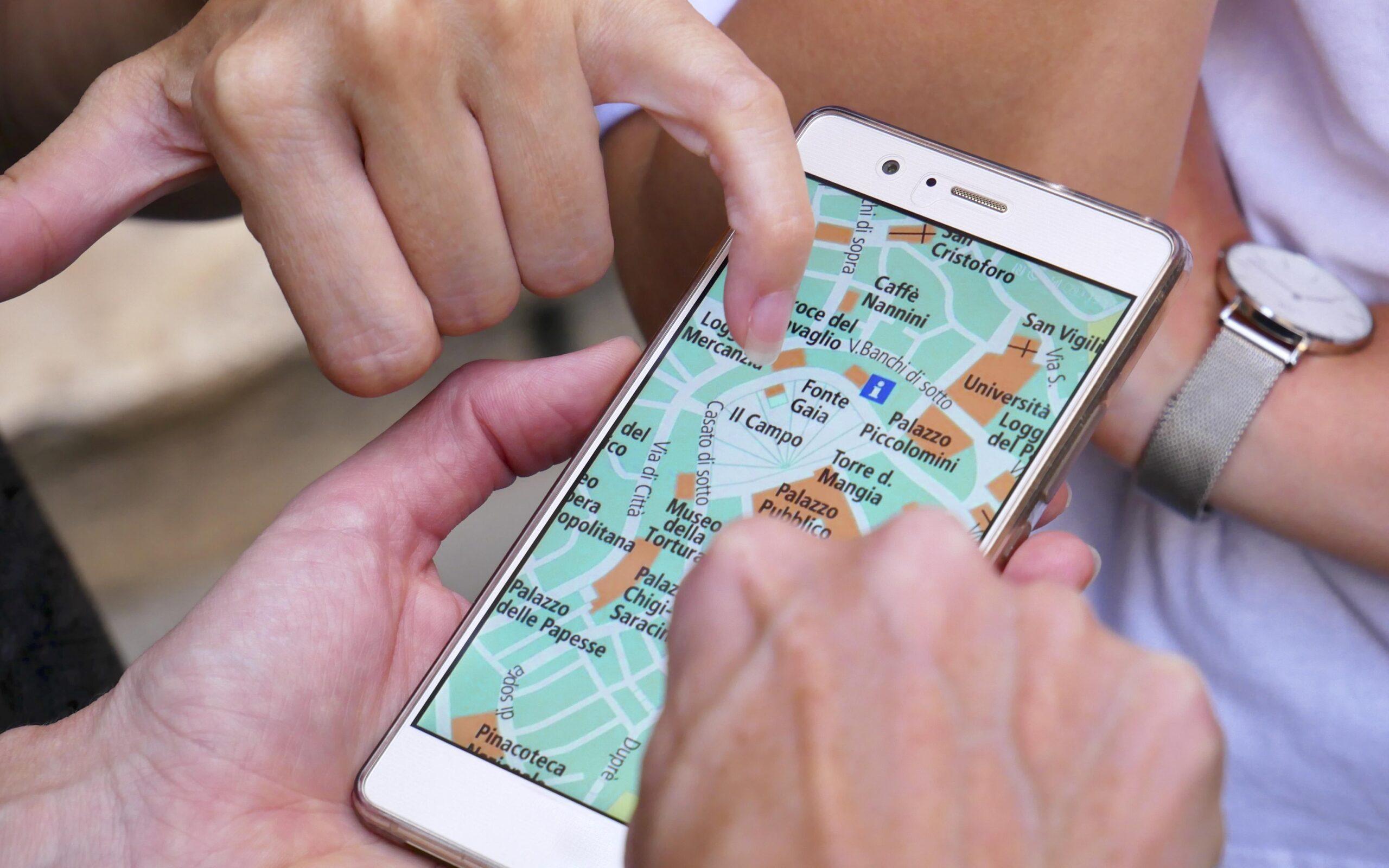 Huawei a TomTom
